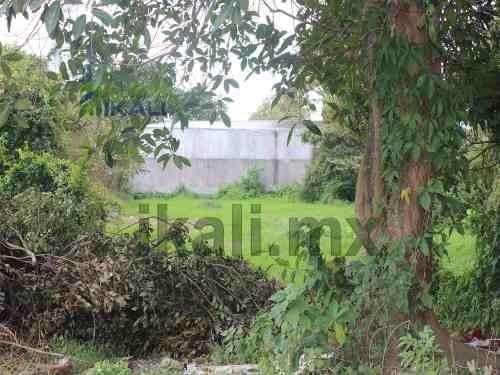 tuxpan veracruz terrenos en renta 1600 m². se encuentra ubicado en la avenida cuauhtemoc de la colonia la rivera en el municipio de tuxpan. excelente ubicación ya que la avenida cuenta con alto tráfi