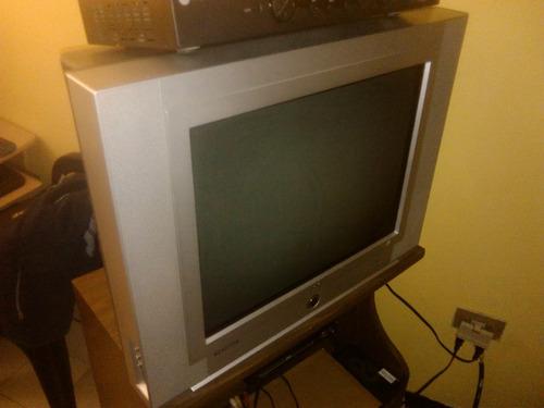 tv 21  marca rca convencional gris con control remoto