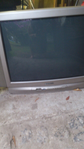 tv 29 pulgadas hitachi funcionando