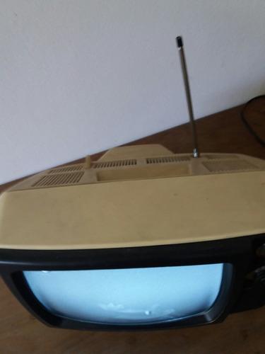 tv blanco y negro  retro sanyo funcionando