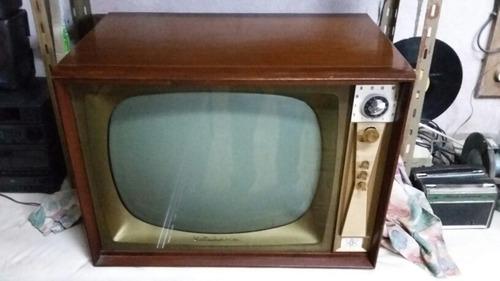 tv blanco y negro wells gardner