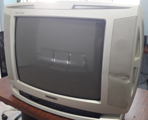 tv convencional daewoo 20 pulgadas usado 100% operativo.