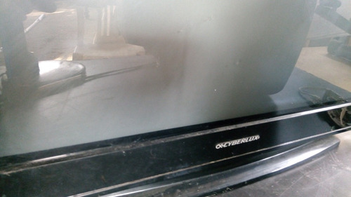tv cyberlux slim32  (para reparar o para repuesto)