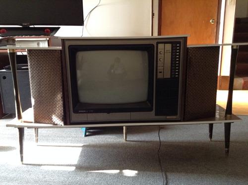 tv hitachi, clásicoclasico de colección