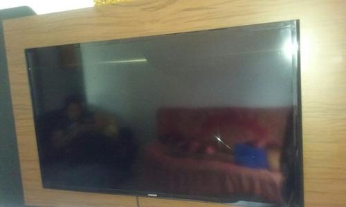 tv led samsung 40 tela quebrada.mas funciona normal o resto