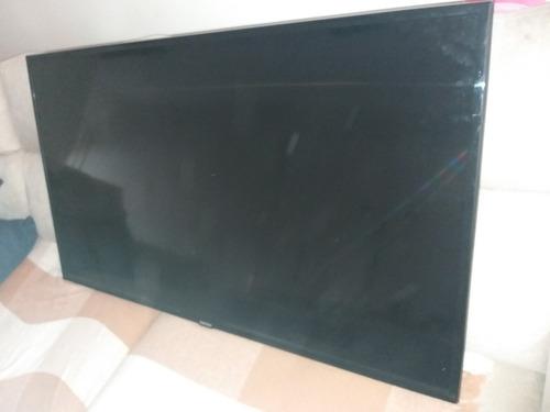 tv samsung 55 polegadas está com uma faixa branca na lateral