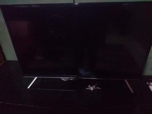 tv smart32modelo l32s4900s tela quebrada p retirada de pessa