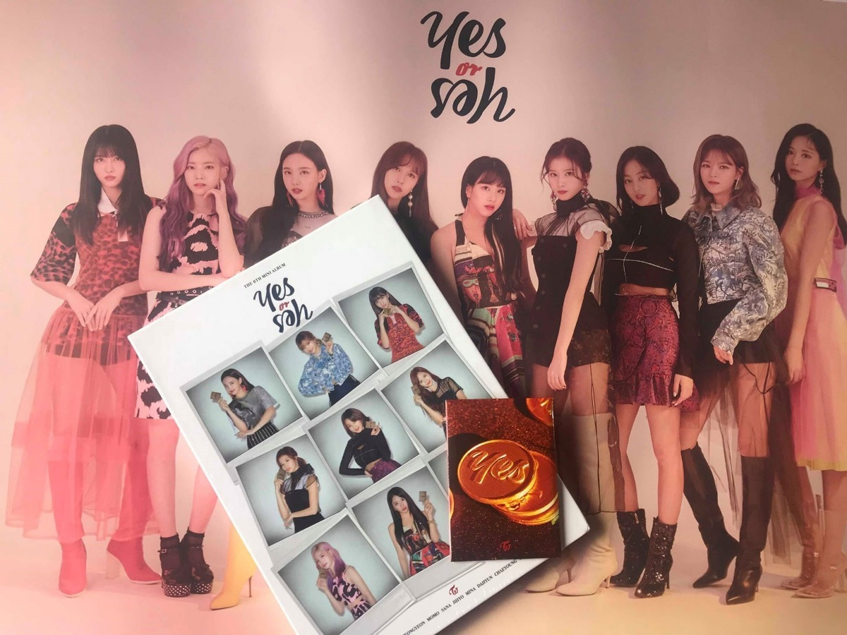 Twice - Yes Or Yes Ver  B + Poster