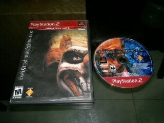 twisted metal black para play station 2,excelente titulo.