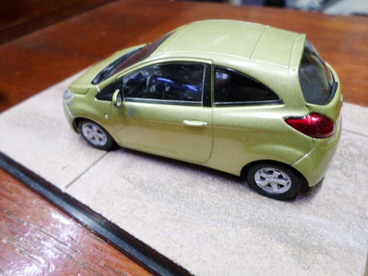 Ford Ka Quantum Of Solace Cargando Zoom
