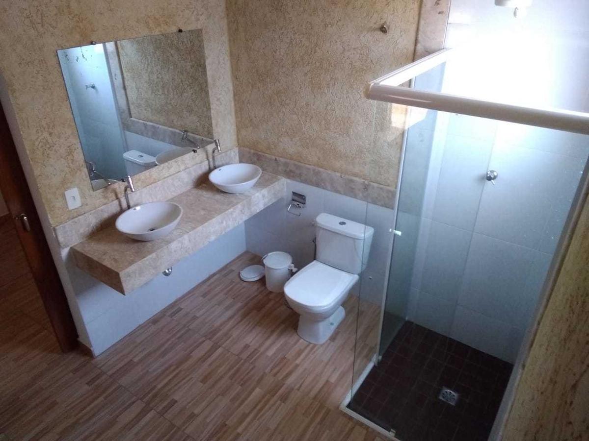 ubatuba casa 150m da praia acomada 13 pessoas
