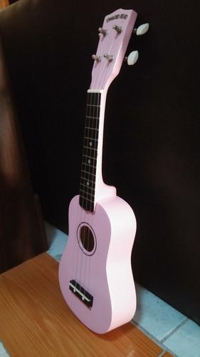 ukelele acustico color rosa diamond head