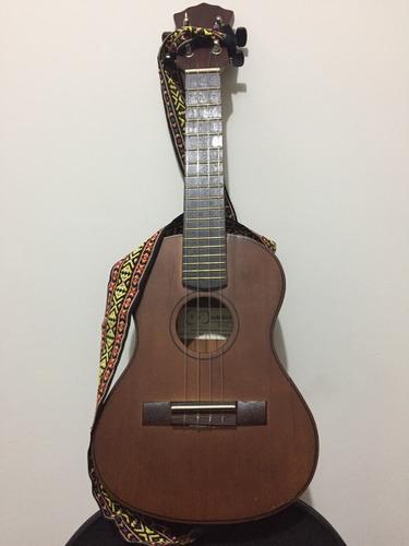 ukulele + correa + estuche