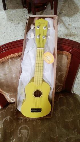 ukulele o ukelele marca freedom