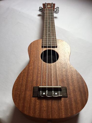 ukulele profesional soprano. madera fina hermoso acabado