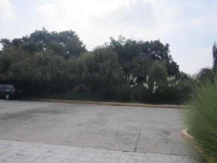 último terreno en exclusivo condominio, lomas de axomiatla,