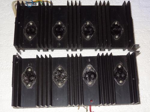 um dissipador pioneer sx-939 com soquetes e suportes