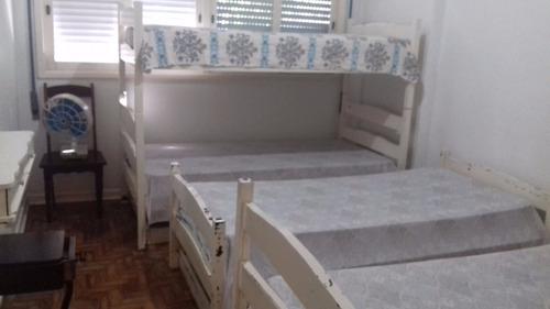 um dormitório a 50 metros do mar