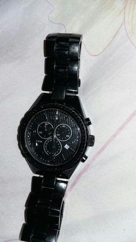 um relógio adidas