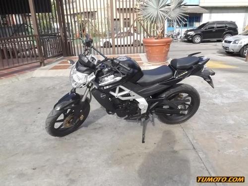 um xtreet 126 cc - 250 cc