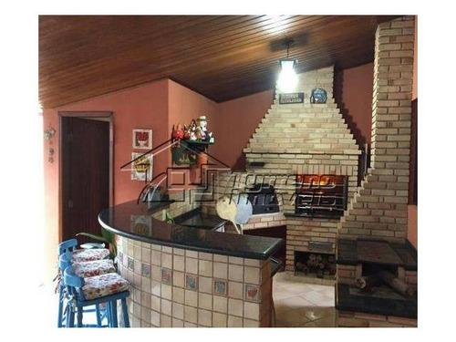 uma casa com ampla área gourmet