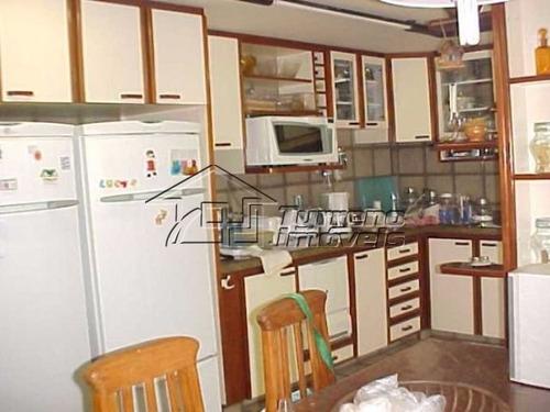 uma casa linda em condominio fechado em niteroi