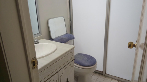 un cuarto en un bonito departamento en la colonia del valle,