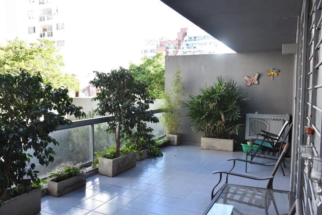 Un Dormitorio Con Balcón Terraza En General Paz