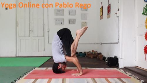 un mes de clases de yoga online todos los días.