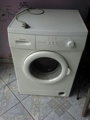 una lavarropa semi nueva