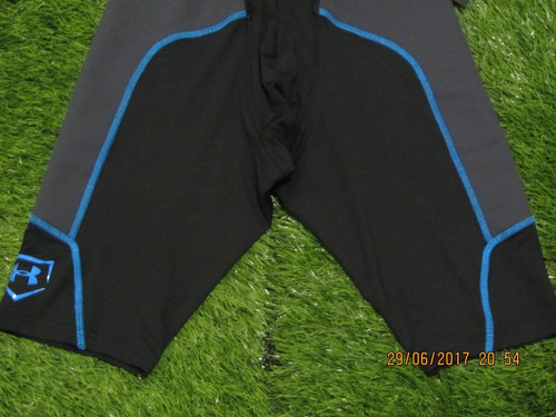 under armour sliding short airvent / negro mediano adulto