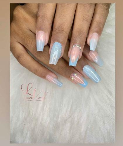 unhas de gel e fibra de vidro