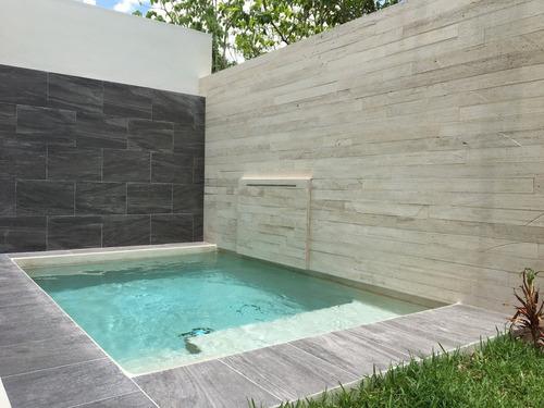 unica casa en residencial aqua