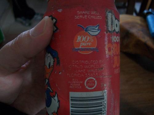 unica!! lata de jugo de naranja con el pato donald importada