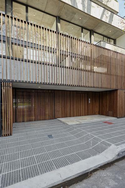 único 2 ambientes de 112 m2 con terraza privada y cochera.
