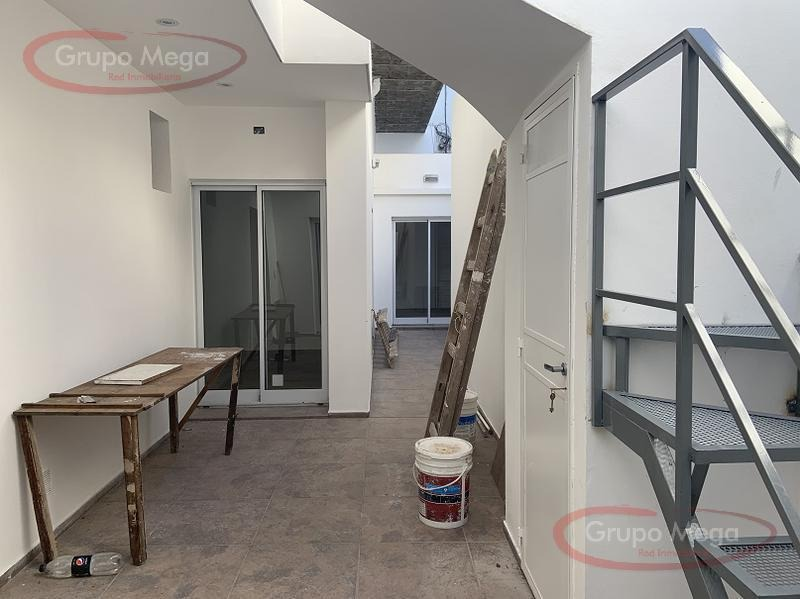 unico ph de 4 ambientes con patio y terraza  refaccionado!