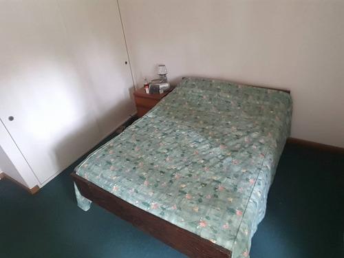 unico triplex en alquiler de 4 ambientes 2 baños cochera y patio dentro de barrio cerrado f: 6000