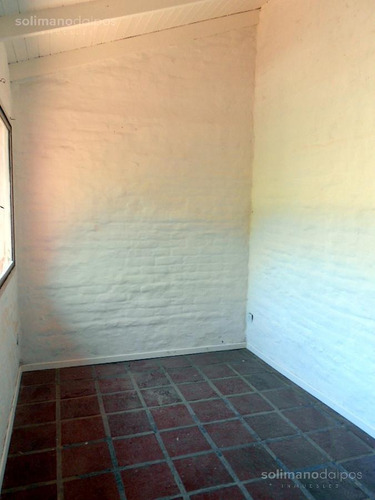 unidad en una planta de 160 metros con jardin y 3 dormitorios - la lucila