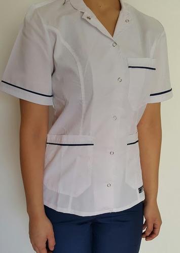 uniforme ambo dama entallado y con broches