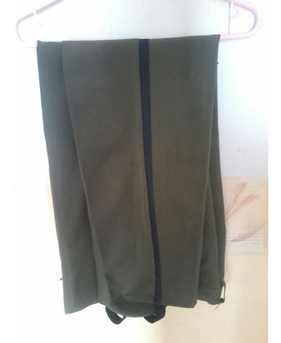 uniforme de aula completo pantalon, camisa y cristina
