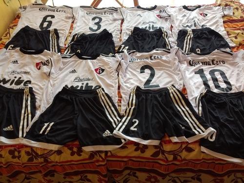 uniforme del atlas niño. 13 juegos