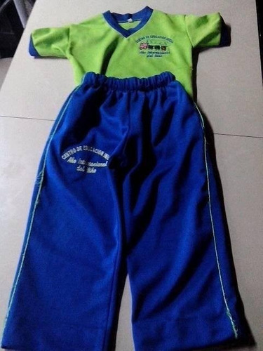 uniforme deportivo escolar