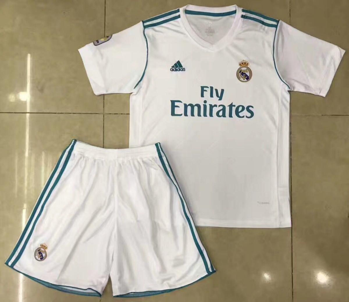 uniforme infantil camisa e shorts real madrid oficial. Carregando zoom. a0ee16312a796