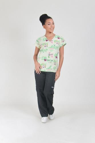 uniforme médico estampado para profesionales de la salud