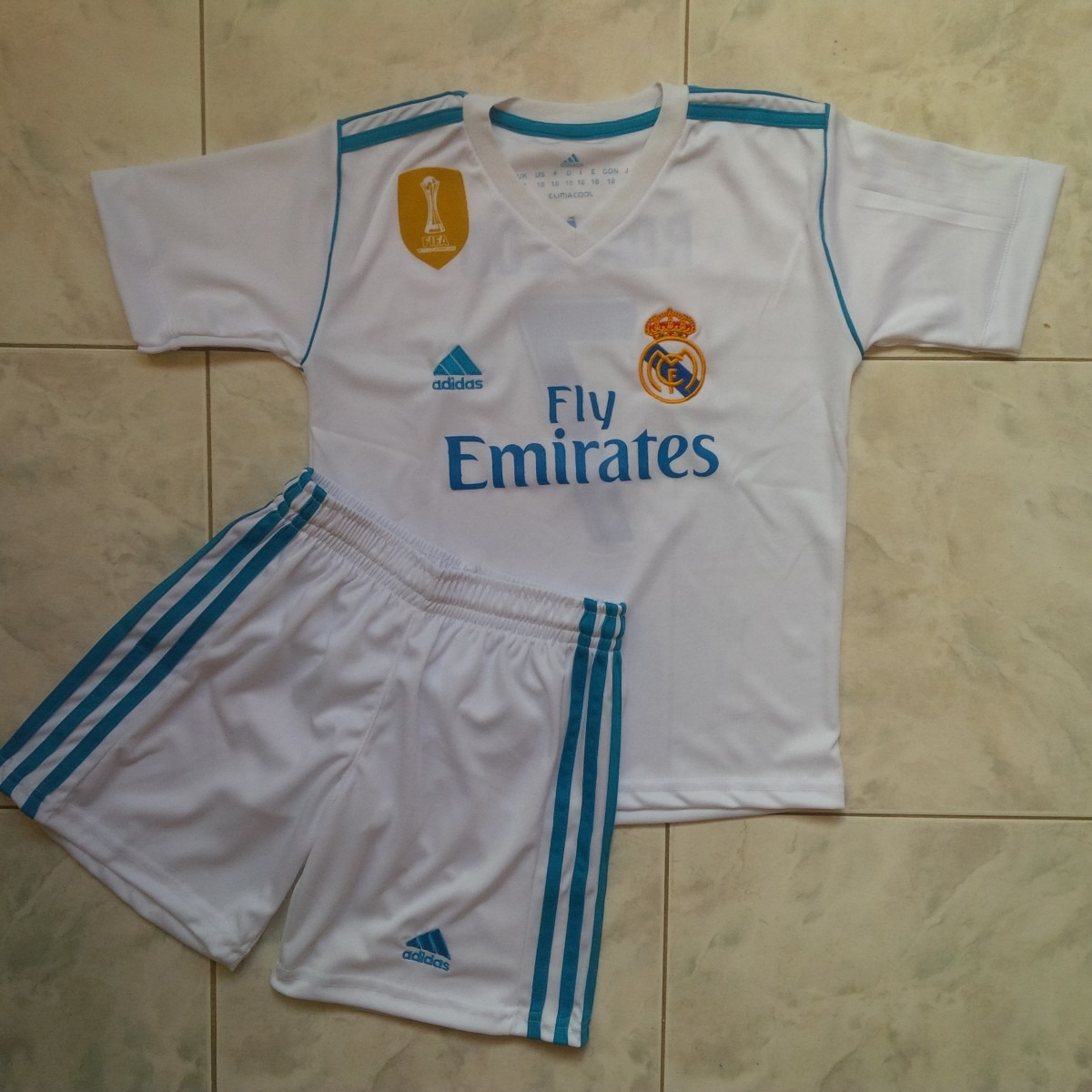 uniforme real madrid 2018 blanco local cr7 solo niños. Cargando zoom. f65c440d4ab29