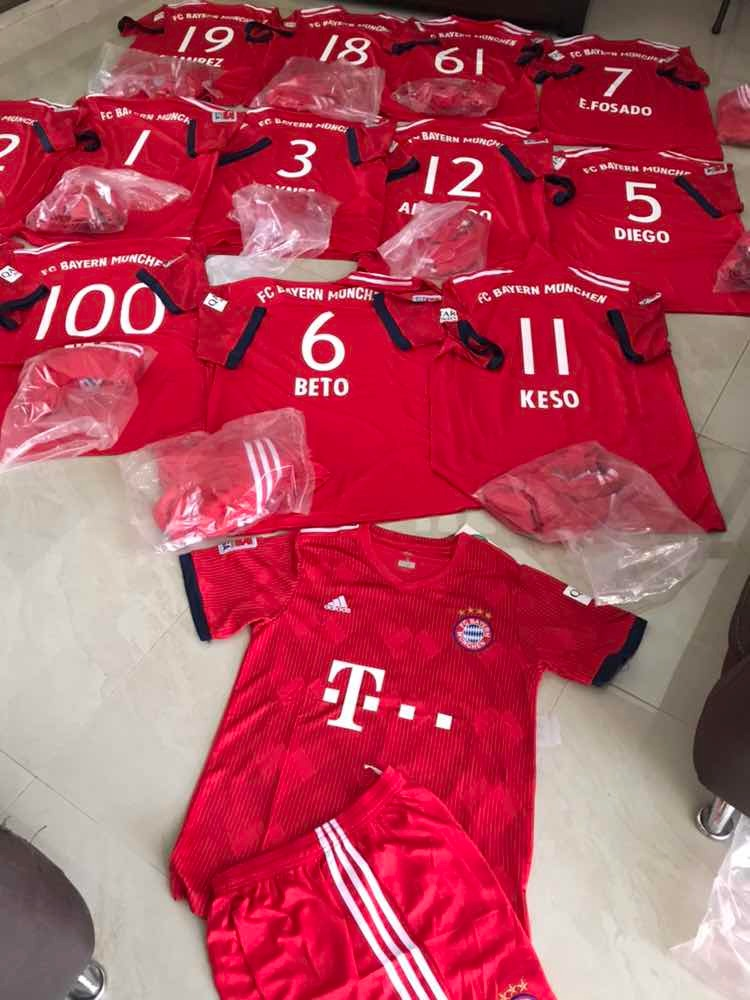 uniformes de fútbol completos originales a un súper precio ! Cargando zoom. a5e7e6d868f0b