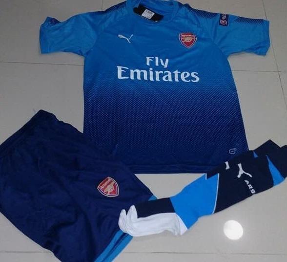 Uniformes De Futbol Economicos Completos Arsenal Azul Japon ... a2814738e53cc
