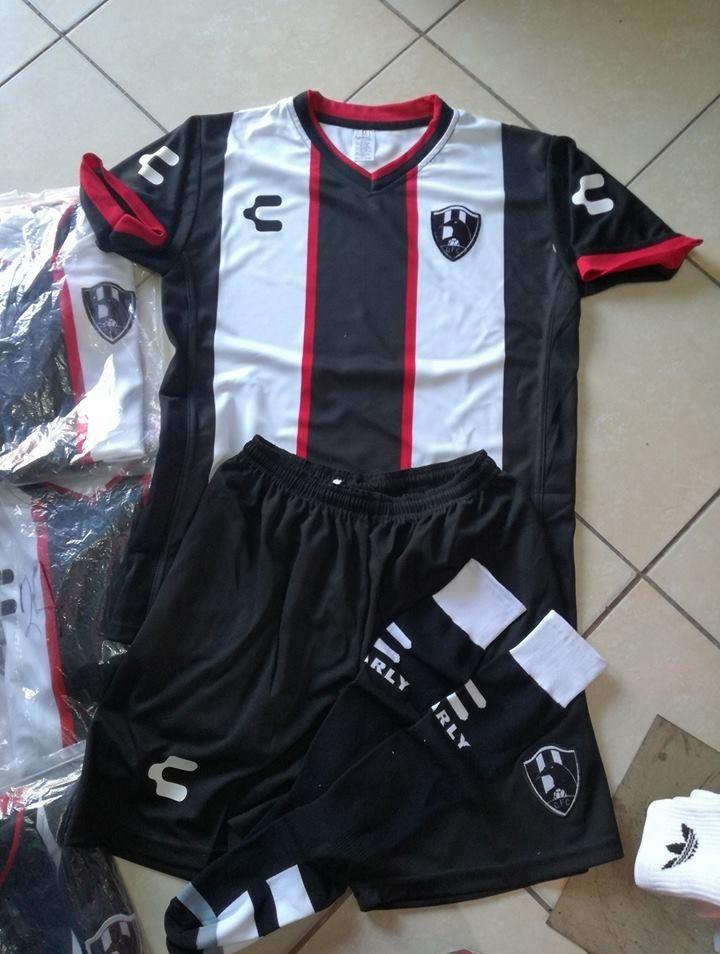 uniformes de futbol economicos completos cuervos mexico psg. Cargando zoom. 9adbd80dab853