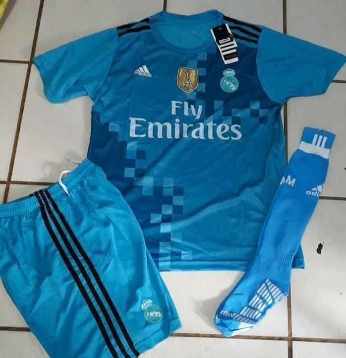 Uniformes De Futbol Economicos Completos Real Madrid Azul -   120.00 ... d8d78db4dffb5