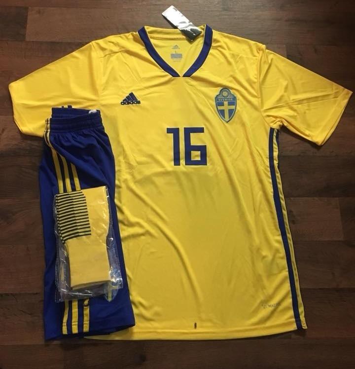 edbfc28686ea8 Uniformes De Futbol Economicos Completos Suecia Alemania -   120.00 ...